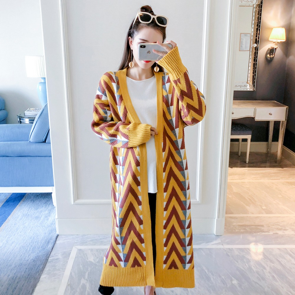 Pregnant women sweater long section 2018 autumn and winter new fashion long-sleeved maternity dress knit cardigan coat winter maternity sweater geometric patterns knit cardigan sweater coat warm clothes for pregnant women maternity clothing size l
