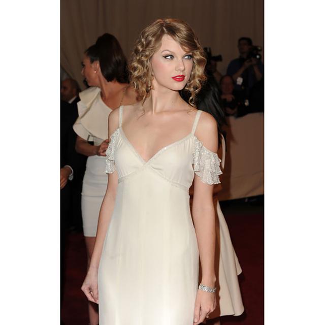 Vestido de fiesta Taylor Vestido de Una Línea de Lentejuelas Con Cuello En V Sin Mangas, Tirantes Palabra de Longitud de Raso Vestidos de La Celebridad 2016