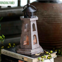 Elegant Antique Wood Candlestick European Romantic Wedding Candle Holder Lantern Retro Candle Stand Home Decoration Glass Sconce