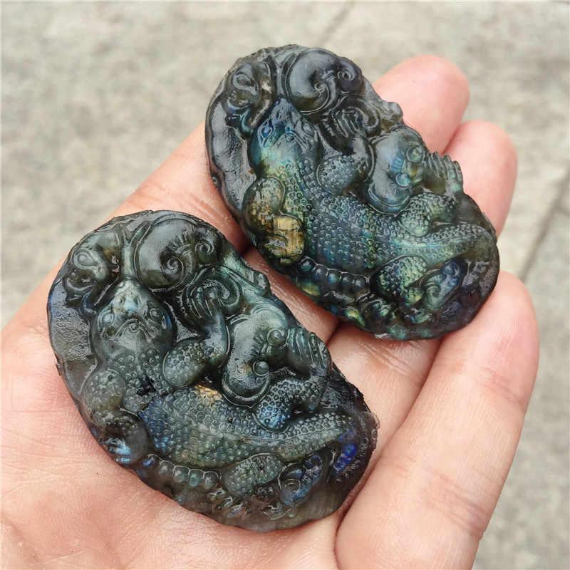 Collier de lézard en pierre labradorite naturelle sculptée à la main avec de belles sculptures en cristal, cadeaux de bijoux de mode 1 pièces