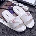 Uwback 2017 nuevas mujeres del verano de interior zapatillas de punta abierta del arco-nudo comodidad zapatillas planas dulce rosa/negro/zapatos blancos de playa xj305