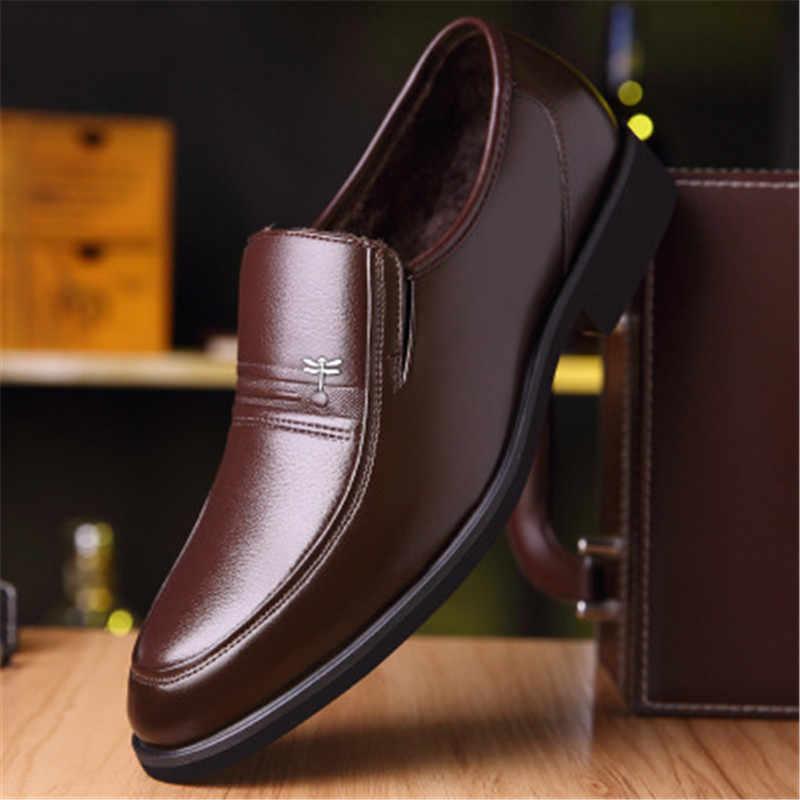 Zapatos clásicos de marca de lujo para hombre, zapatos de vestir puntiagudos, charol para hombre, más terciopelo negro, zapatos de boda Oxford, zapatos de baile
