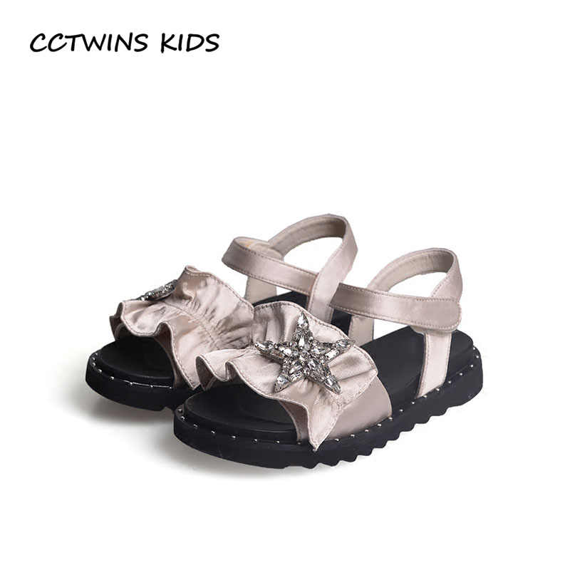 CCTWINS KIDS 2018 Summer Girl Fashion Rhinestone Princess Sandal Children  Black Star Shoe Toddler Brand Flat b35749faafb7