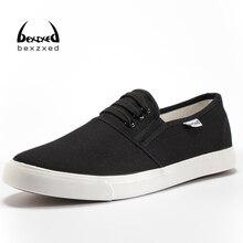 Nuevos Hombres Zapatos de Lona Planos Transpirable Blanco Negro Zapatos Casuales Hombres de Moda Los Hombres de Deslizamiento en Los Holgazanes Alpargatas