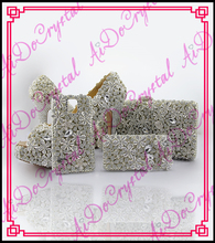 Aidocrystal white rhinestone flowers ladies wedding shoes and bag to match