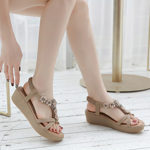 Image 5 - BEYARNEBohemian Summer Shoes Sweet Womens Flower Rhinestone Flat Sandals High Quality Casual Flats Plus Size 35 42 SandaliasE604