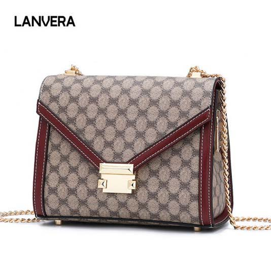2018 new fashion leather student Messenger bag. Trend letter woman bag. fashion Chain woman shoulder bag. Small square package стоимость