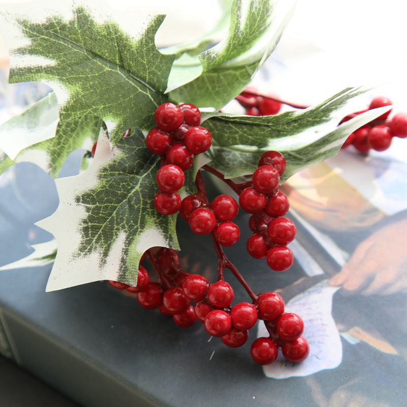 Artificial Christmas Leaves Red Fruit Fake Decorations Plant Berry Wedding Home Party Decorative Arrangement Foam Fruits Leaf