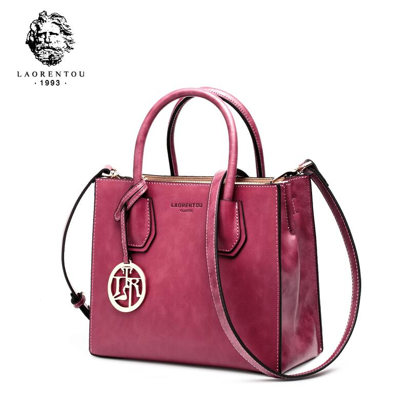 купить LAORENTOU female 2018 new leather small square bag fashion simple portable Messenger bag retro ladies bag по цене 4887.66 рублей