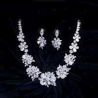 New Gorgeous Cubic Zirconia Pave Big Flower Chokers Necklace Luxury Bridal Wedding Costume Jewelry Sets for Women 2018