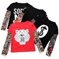 Camisetas de los muchachos 2017 Nueva Primavera Ropa de los Muchachos Niños Del Tatuaje Patrón de Empalme Camisetas de Manga Del Bebé Muchacha de Los Muchachos Camisetas Niños Camisetas de Algodón