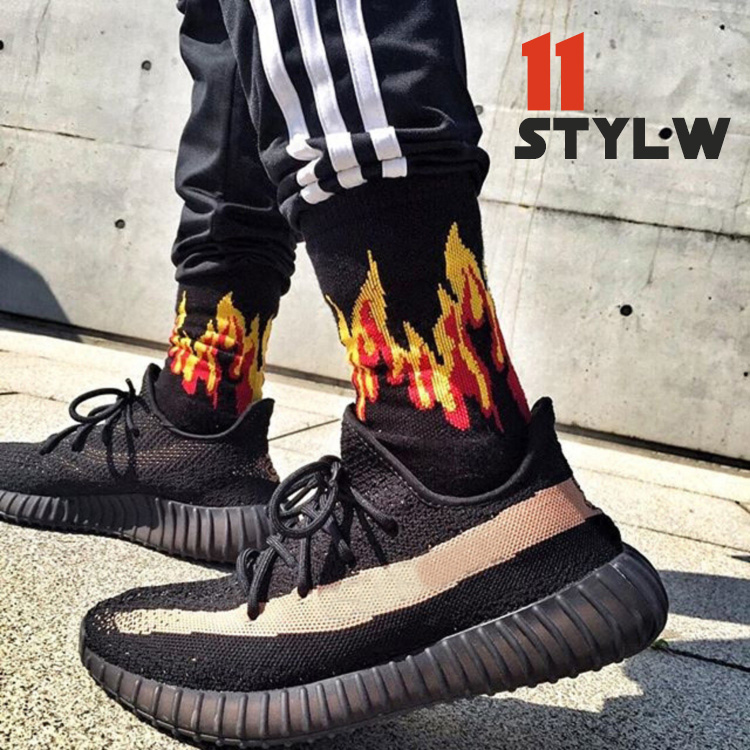 Fashion White Black Cotton Men Socks On Fire With Print Hip Hop Skateboard Socks For Men Street Style Calcet Flame Word Socks
