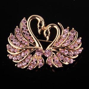 Cute Crystal Swan Brooch Pins Gold Color Lovers Animal Rhinestones Brooches for Women Wedding Scarf Jewelry Vintage Lapel Pins(China)