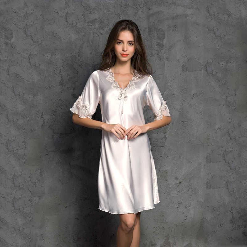 e74a8084829 ... Женская атласная пижама шелковая ночная рубашка с коротким рукавом  вышивка ночная рубашка сексуальное женское белье женское ...