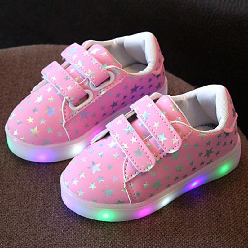 New High quality Little Boys Girls Sports Wearing Shoes Kids Luminous Sneakers Night Walking Light Up Shoes