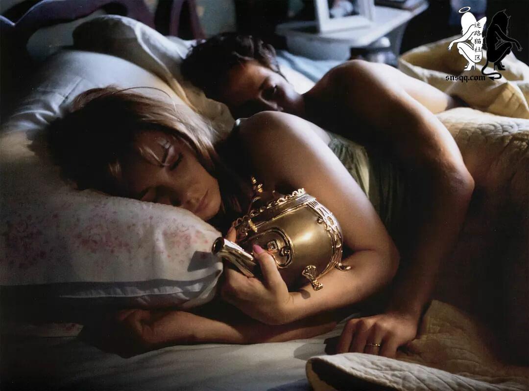黄铜茶壶:从自虐赚钱、互虐赚钱、虐待别人赚钱来看清字母圈中的贪婪