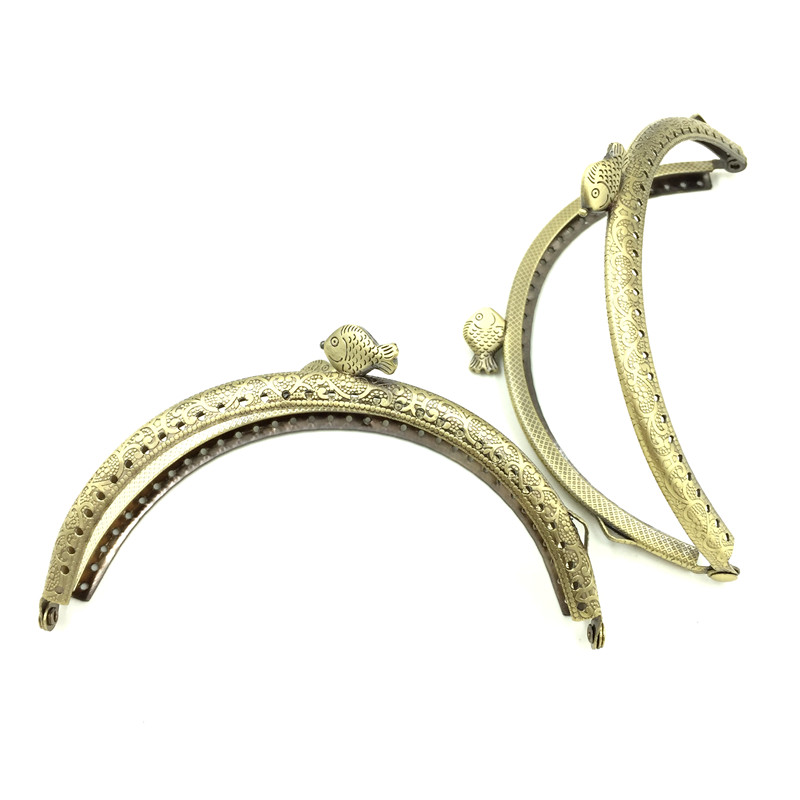 50Pcs Wholesale Bronze Tone Fish Head Arc Frame Kiss Clasps Lock Handle Purse Bag Handbag Clutch 128x79mm 10pcs bronze tone round head flower pattern clutch arc metal frame kiss clasps lock purse bag handbag handle 86x52mm