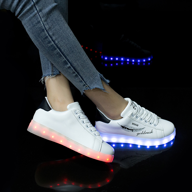 Fashion LED Sneakers with Graffiti 7