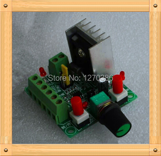 Free Shipping!!! Simple stepper motor drive controller / speed reversing control / pulse generator / PWM controller occurs
