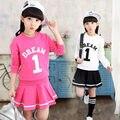 Marca de Moda Meninas Saia e Blusa Set Designs Patterns Crianças Topos de Culturas menina Saia 2 pcs Set 2017 Crianças Primavera Roupas conjunto