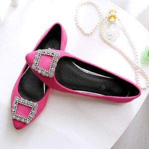 Image 3 - BEYARNE zapatos de ante a la moda para mujer, zapatillas femeninas de suela plana de gran tamaño, zapatos de ocio puntiagudos, cómodos para conducir