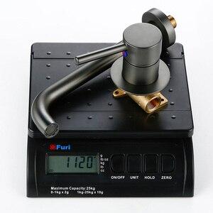 Image 2 - Duvara monte tunç havzası musluk tek kolu musluk bataryası sıcak soğuk banyo su toptan banyo siyah beyaz gül altın musluk