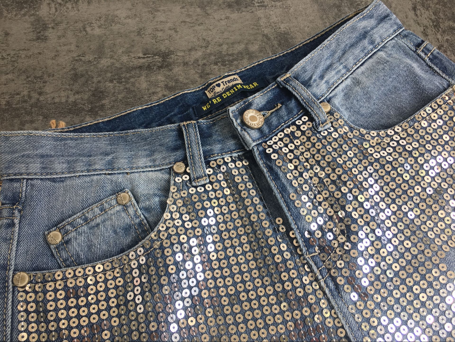 18 Fashion Hole jeans woman ripped jeans for women jeans Sequined mujer femme denim jean pants Scratched pantalones feminino 15