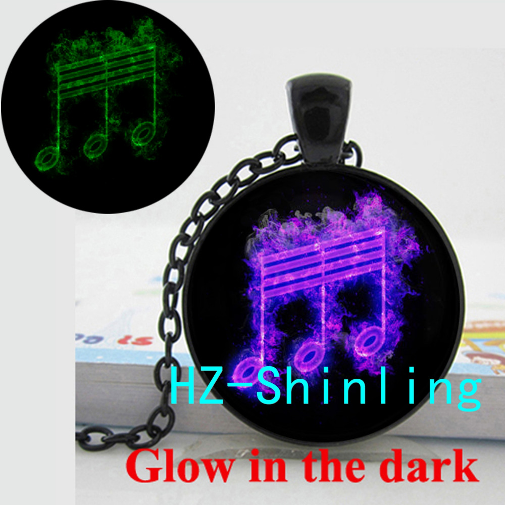 Glowing Music Note Necklace Romantic Music Pendant Glass Photo Jewelry Gifts Women Glow in The Dark Necklace