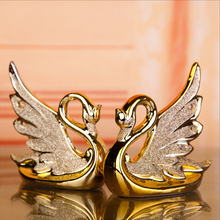 Fashionable Gold Dolphin Ceramic Handicraft Furnishing Articles Swan Lovers Creative Gold-plated Swan Family