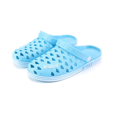 Women's Slip on Casual Garden Clogs Baotou Sandals Women Summer New Flat Breathable Hole Shoes Beach Sandals Female Slippers 2018 women s beach clogs air mesh sandals casual slippers breathable classic clogs and mules flat jelly garden shoes slide