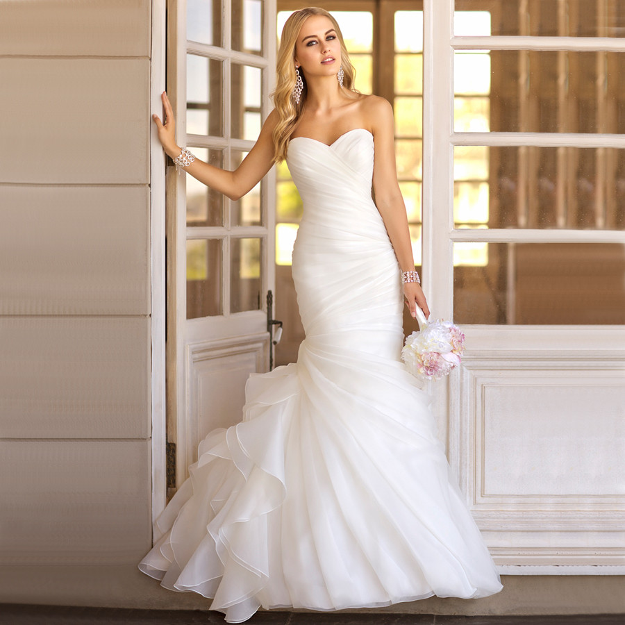 Hot sale wedding dresses New fashion vestidos de noiva Elegant Mermaid wedding  dress tulle white pleat 019-in Wedding Dresses from Weddings   Events on ... 54cf83d3e
