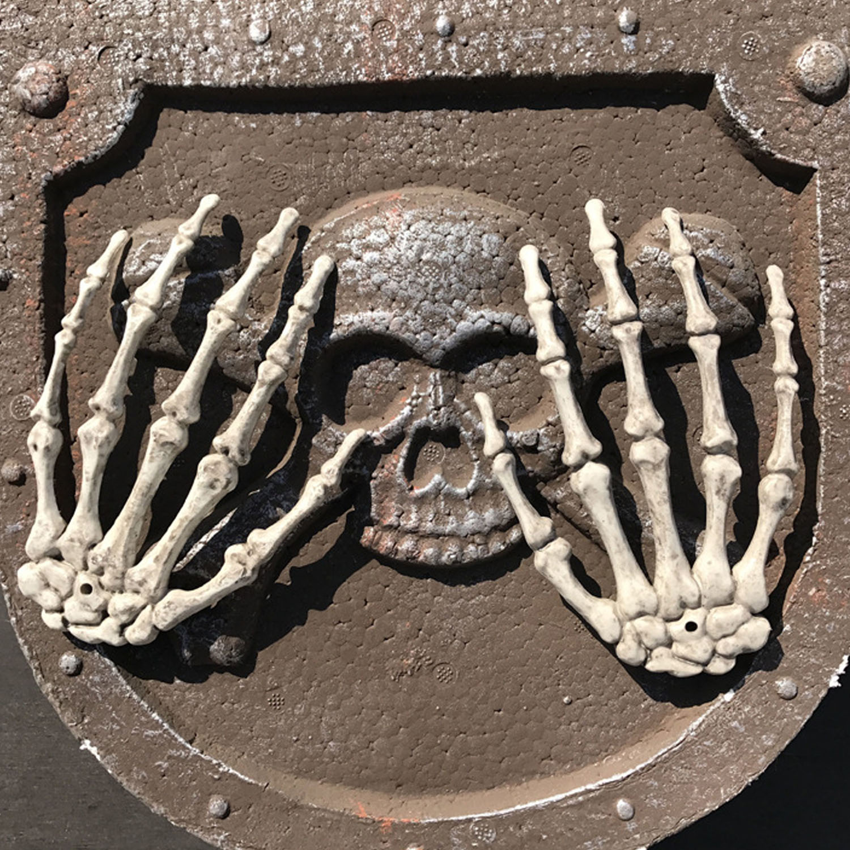 behogar 1 pair plastic scary halloween skeleton hands life size
