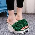 Das mulheres Sapatos de Verão 2017 Cunhas Flor Chinelos Fora Super High Heel Flip Flop Sandálias plataforma do Salto de Cristal Meias de Presente