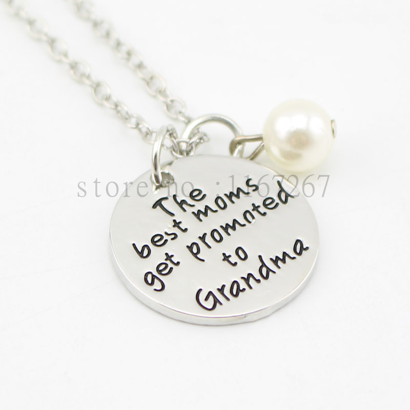 2015 New Hand stamped Necklace The Best Moms Get Promoted to Grandma necklace Mommy Jewelry Pregnancy Announcement
