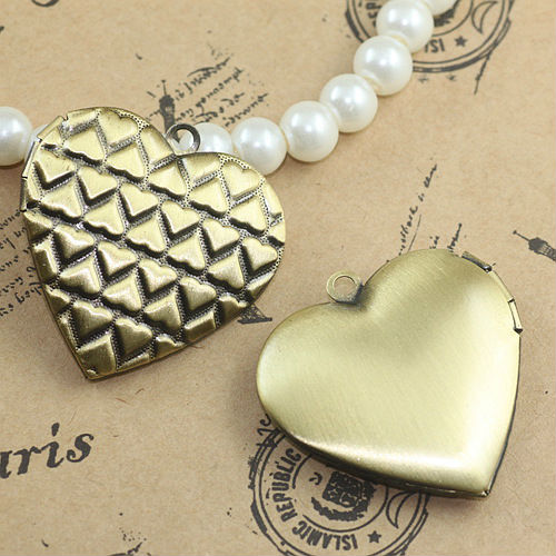 Wholesale 4pcs ANTIQUE BRONZE 29mm Heart-Shaped Photo Locket Charm&Pendant Frame Fashion ...