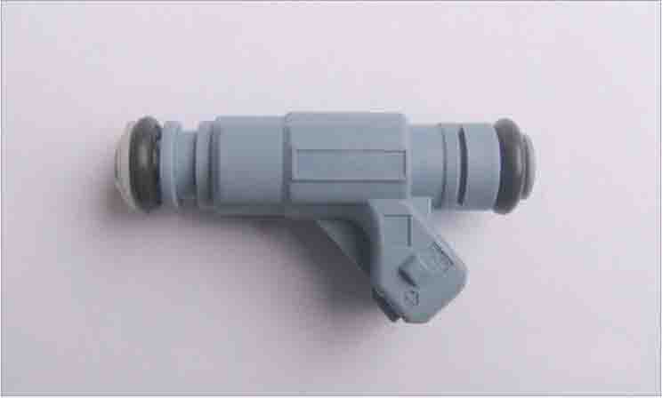 Engine Fuel Injector Nozzle For 01-06 VW Audi A4 A6 Passat 0280156070 oil pump 058 115 105 c for audi a4 a6 vw passat