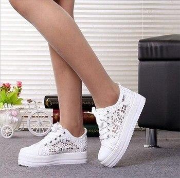 2018 New Lace Canvas Shoes Woman Casual Shoes Hollow Floral Print Breathable Platform Women Shoes