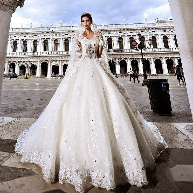 Cathedral Wedding Gowns: 2015 Luxury Wedding Gowns Crystal Beads Cathedral / Royal