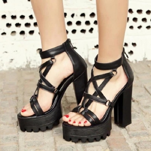 6f48148649e Rome Gladiator Sandals Women Open Toe Punk Rock Gothic Platform Chunky  Thick Block High Heels Sandals Ladies Shoes 34-42.