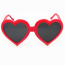 Automotive sunglasses peach-heart sunglasses, large frame heart-shaped glasses Childrens Sunglasses