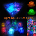 Hot 2015 24 pcs free grátis ativo líquido cores mudando led night luz decoração cubo de gelo, cubo de gelo brilhante, gelo iluminado levou