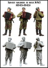 Scale Models 1/35  Soviet soldier at rest . WW2. ( 1943 – 1945 )    figure  uncolor WWII Resin Model Free Shipping