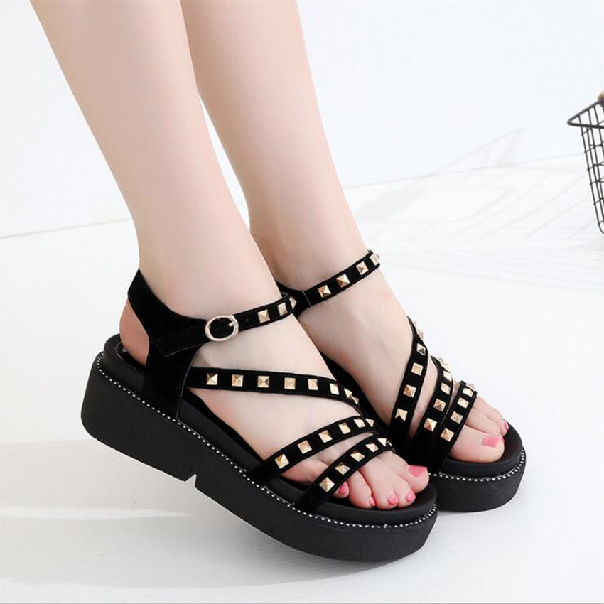ZOUDKY Korean version Mid Heel and sandals new style thick bottom student rivet slope and muffin shoes