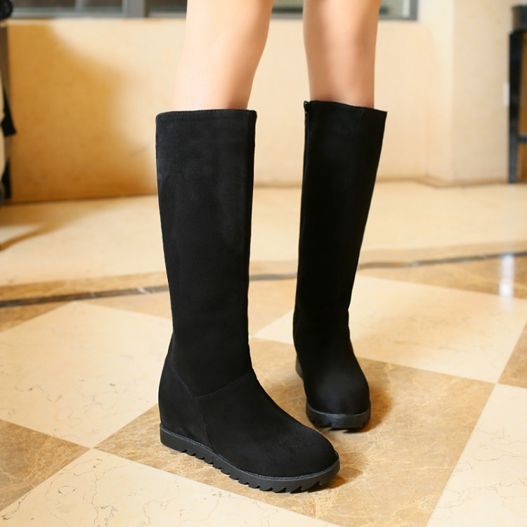 2015,women winter boots the big drum circumference increased in high boots side zippers frosted boots woman., big yards 40-43 a woman kneeling in the big city