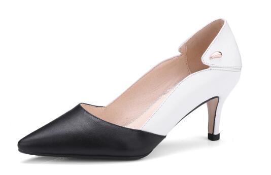 все цены на Black and white splicing pointed toe medium heel women shoes Female shallow thin heel pumps High heels Ladies dress shoes