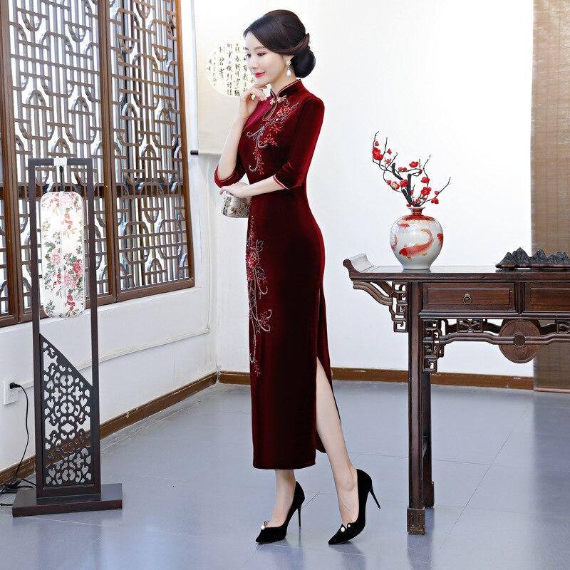 Cheongsam Traditionnel À Style Main Qipao Bleu Longue Robes La 2018 Nouvelle Printemps pourpre Robe Femmes Velours vert Mince Partie bourgogne Perles Chinois wmn0OvN8