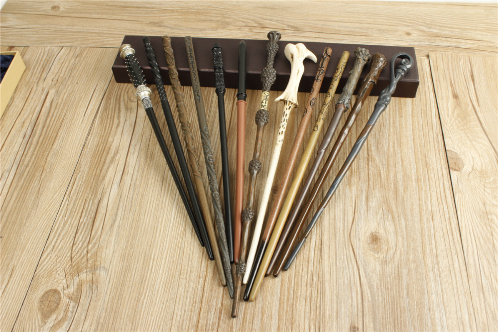 28 Stijlen 48 ST Gelukkig Potter wand / Hermione / Voldemort / Dumbledore / Ron / Luna / Dumbledore in Magic tricks toverstaf Populaire verkoop