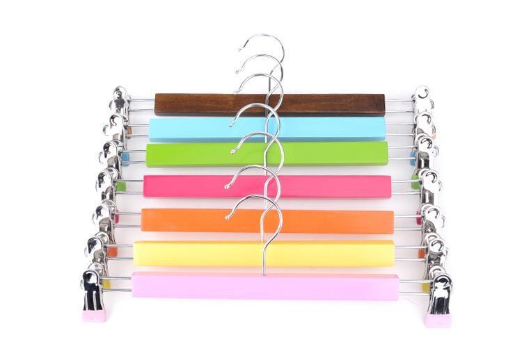 Suspensión de pantalones de madera colorida de Hangerlink, - Organización y almacenamiento en la casa