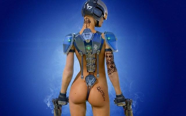 обнаженная женщина робот