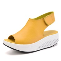 2017 Fashion Summer Sandals Women Shake Shoes Thick Wedges Slope Platform Head Leather Sandals Women Shoes